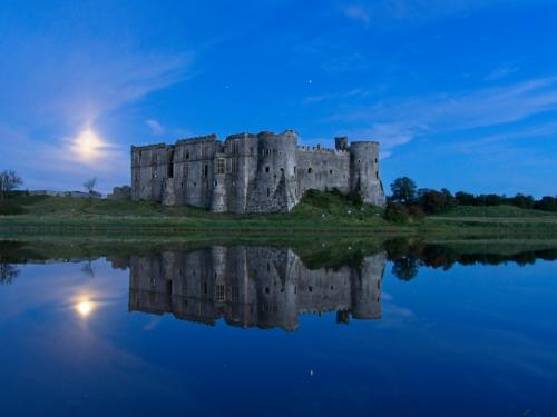 19 Intermediate Carew Castle by Stefan Waldendorf