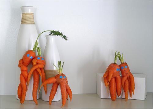 Int 4th The Carrot Club by Maria Macklin