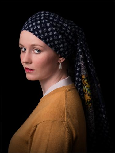 06 Girl with a Pearl Earring; Simon Hughes